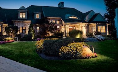 Use Outdoor Lights To Add Curb Appeal
