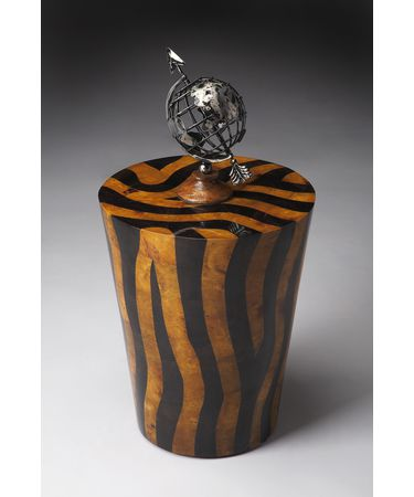 Shown in Tiger Stripe Wood Penn Shell finish
